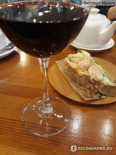 вино и брускета