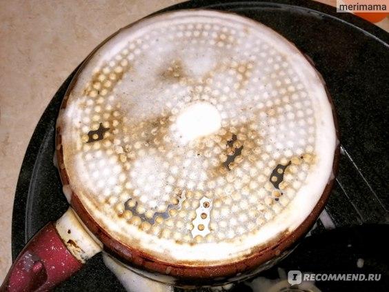 Процесс чистки сковороды жироудалителем Grizzly