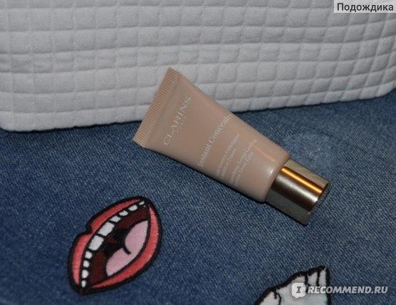 Консилер Clarins Instant Concealer SPF15 фото