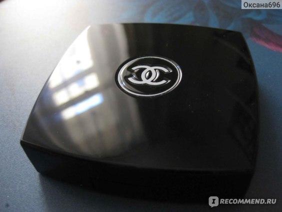 Пудра компактная Chanel Poudre Universelle Compacte  фото