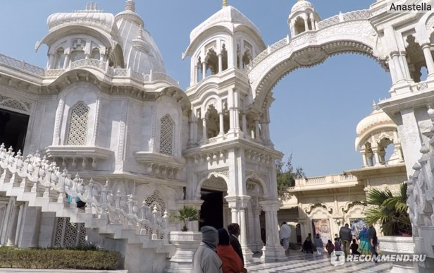 Храм Кришны-Баларамы во Вриндаване
