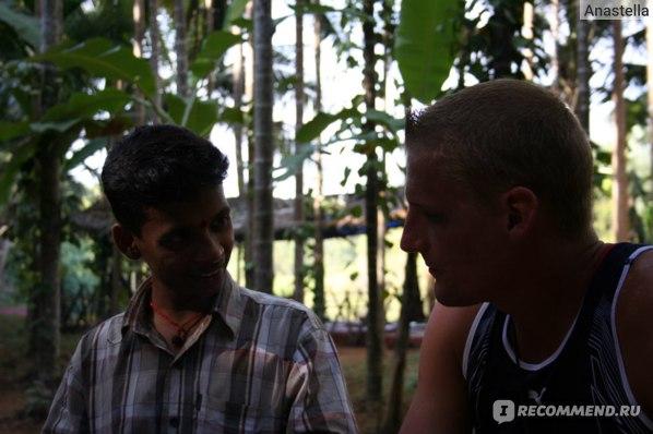 Наш преподаватель йоги Суджит. Индия. Гоа.
