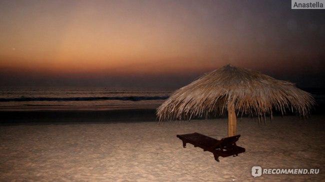 Пляж вечером. Отель Taj Exotica, Гоа, Индия.