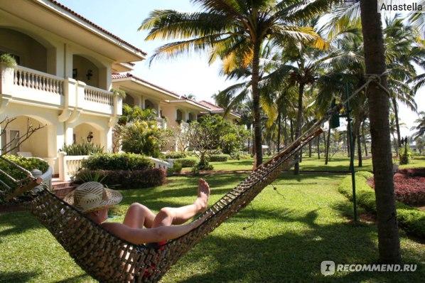 Можно расслабиться в гамаке. Отель Taj Exotica, Гоа, Индия.