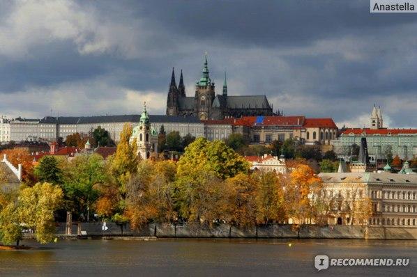 Градчаны (Пражский Град) и река Влтава. Прага.