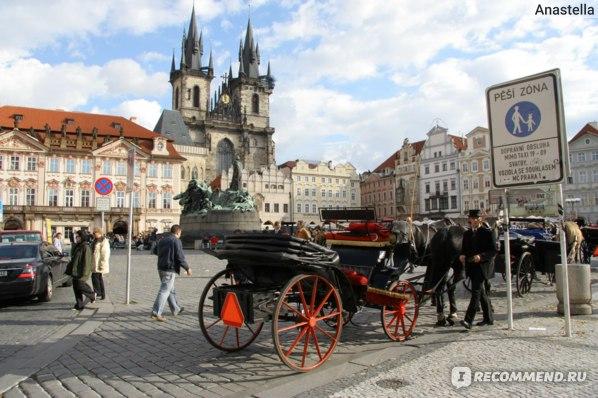 Покататься не желаете:)) Прага. Староместская площадь.
