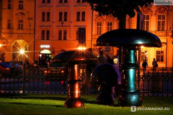 Веселые грибочки. Староместская площадь. Прага.