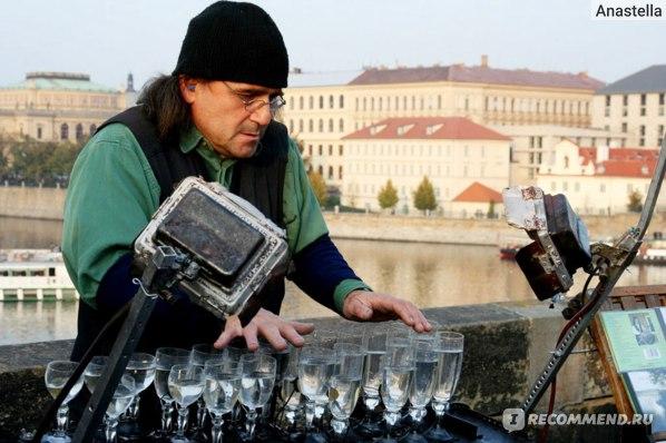 Музыкант на Карловом мосту. Прага.