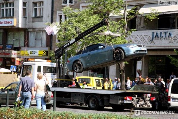 Парковка запрещена. Вацлавская площадь. Прага.
