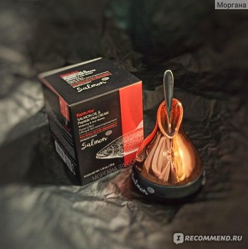Крем для лица Farmstay Омолаживающий крем с маслом лосося и пептидами Salmon Oil & Peptide Vital Cream