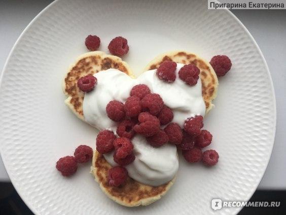 мой любимый вариант с греческим йогуртом и свежими ягодами