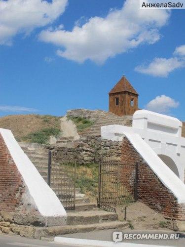 Крепостные валы  с Алексеевскими воротами, Азов фото