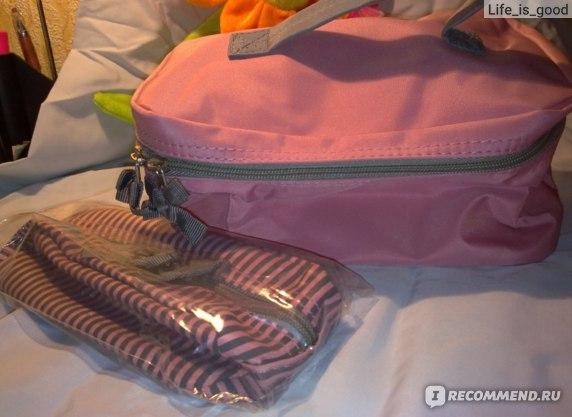 Косметичка Ив Роше / Yves Rocher Набор из двух косметичек (розовые) фото