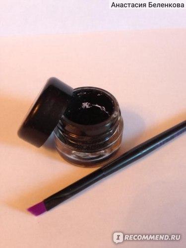 Кисть для гелевой подводки Essence Gel eyeliner brush / Скошенная фото