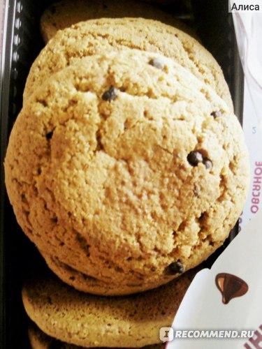 Печенье Посиделкино Овсяное с добавлением шоколадных кусочков фото