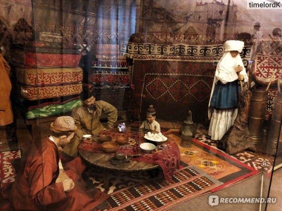 Казахи в юрте