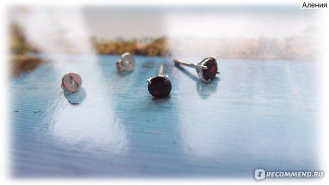 Серьги-пусеты SOKOLOV из серебра 925 пробы 92021088 с гранатом фото