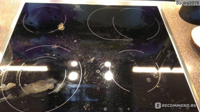 Фото плиты с пригаревшим молоком