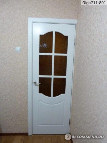 Вид двери на кухне