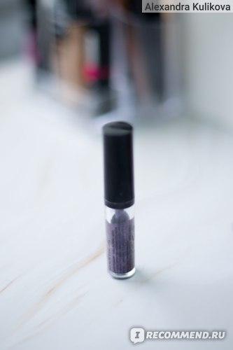 Кремовые тени  для век NYX Professional Makeup Glitter Goals liquid eyeshadow фото