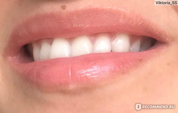 Блеск для губ L'Oreal Paris  Infaillible Gloss (Neon & Cream) фото