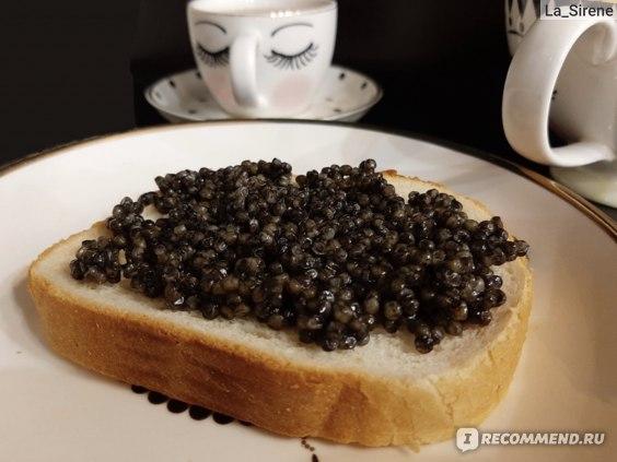 Бутерброд с чёрной икрой