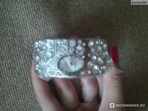 Часы Aliexpress White Color Latest Dial Lady Girls Rhinestone Crystal Bracelet Bangle Quartz Wrist Watch фото