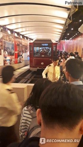 The peak Tram, Гонгконг фото