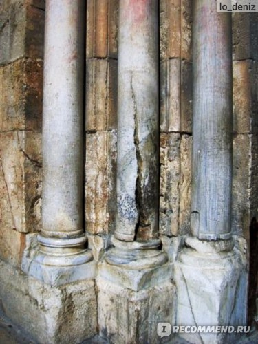 Колонна Храма Гроба Господня в Иерусалиме