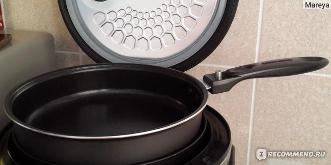 Redmond Мультикухня: сковорода в рабочем положении