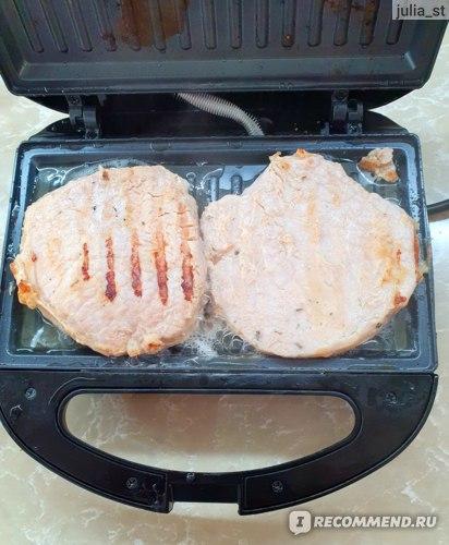 Мясо на Сэндвичнице StarWind SSM2102