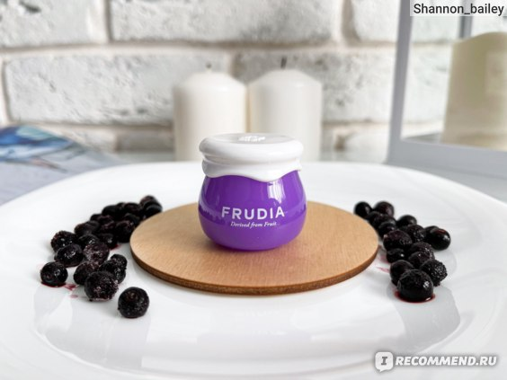 Крем для лица Frudia Blueberry Hydrating Intensive Cream фото