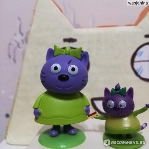 Игрушка-сюрприз в непрозрачном пакетике - Три кота - Фигурка на подставке