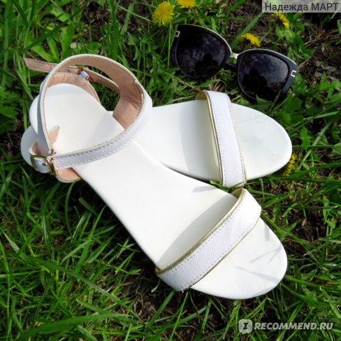 Босоножки Aliexpress Women Genuine Leather Sandals Low Heel Buckle Strap Ladies Open Toe Black Beige Metal Decoration New Summer Female Shoes M093 фото
