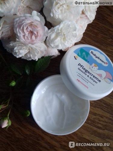 Крем для лица и тела с маслом подсолнечника, витамином Е и пантенолом BabyDream Pflegecreme Gesicht & Körper фото