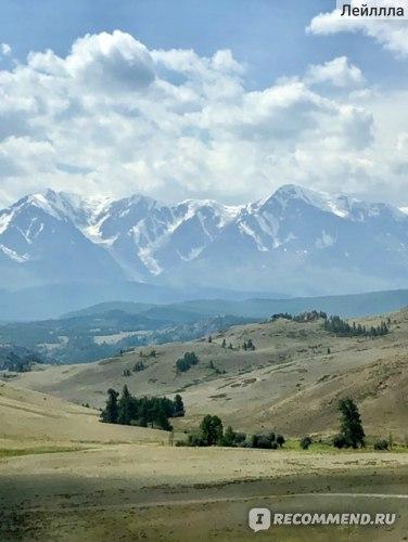 А это знаменитая снежная гора Белуха