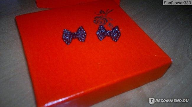 Серьги Aliexpress Full Of Black Imitation Diamond Bowknot Stud Earrings Free Shipping (Black) E126 фото