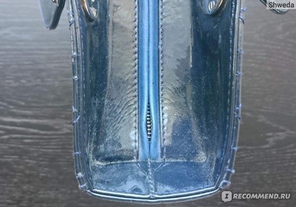 Пыль в углах сумки