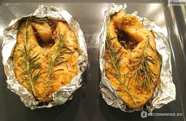 Стейки лосося с розмарином