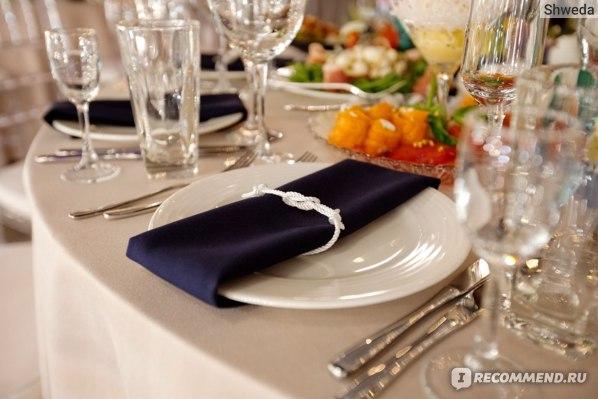 Прямой узел на свадебных салфетках