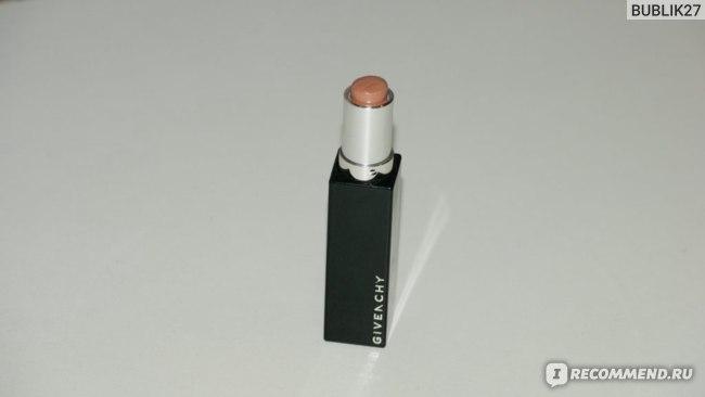 Губная помада Givenchy Rouge Interdit Satin Lipstick фото