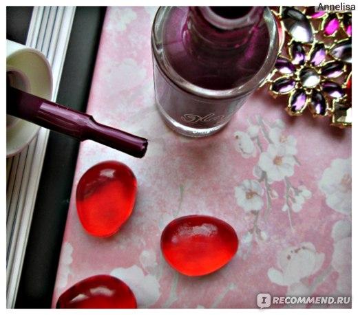 Лак для ногтей Essence Glow & Care Luminous Nail Polish фото