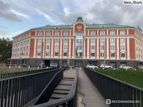 Вид на отель со стороны Кремля.
