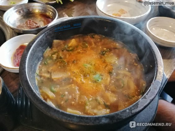Ресторан корейской кухни в Сеуле Yukjeon Sikdang-отзыв.