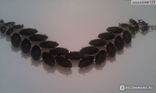 Колье H&M Короткое черное фото