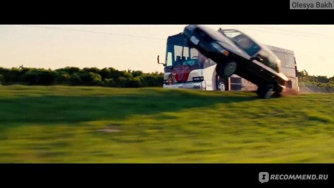 Красотки в бегах / Hot Pursuit (2015, фильм) фото