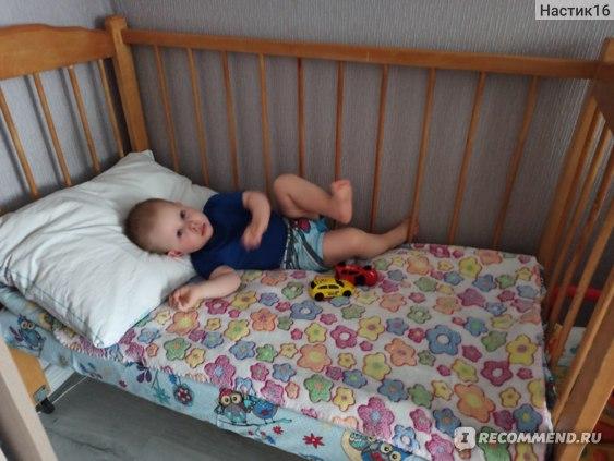 Наша старая кровать (сняла передний бортик)