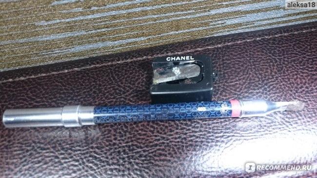 Карандаш для губ Chanel Le Crayon Levres фото