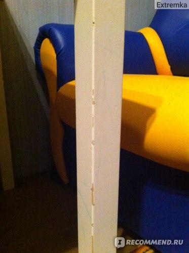 ножка стола после ударов игрушкой