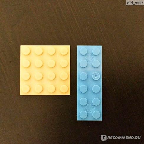 Слева Lego, справа MegaBloks